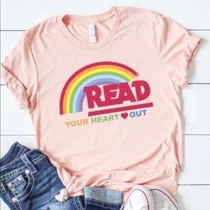 Tops - Reading Rainbow Graphic T-shirt Peach